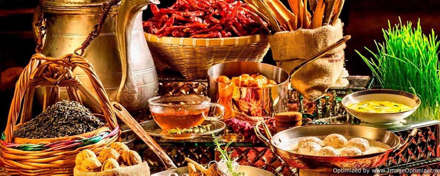 Kashmir Cuisine: Traditional cuisine offers